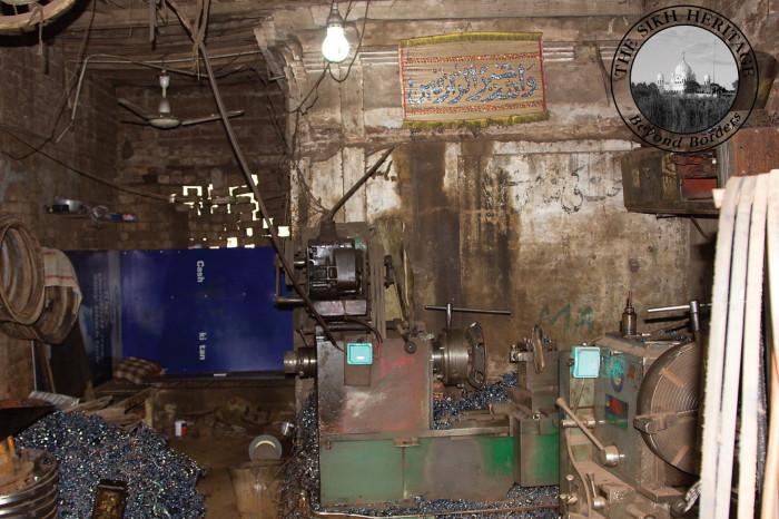 Interior of Gurdwara Shaheed Ganj   Bhai Mani Singh.jpg