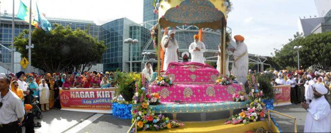 Main float -Panorama.jpg