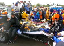 Guru s words reign supreme at 29th sikh parade in yuba for Gurinder s bains