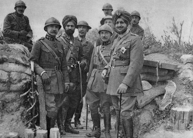 MaharajaofPatiala Lt.Gen.Bhupinder Singh with Belgium Generals on the frontline of Belgium in april 1915. (249K)