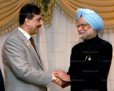 Manmohan_Singh_Raza_Gilani_Pakistan_PM_Egypt (94K)