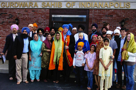 Mayor at Sikh Temple (133K)