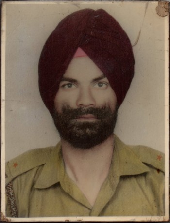 Punjab Singh in Indian Army uniform 1970 (31K)