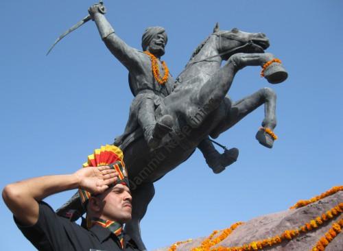 Gen-Zorawar-Singh (38K)