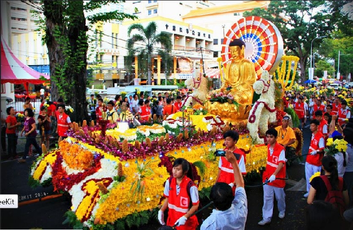 Vesak Day Parade- Flickr (336K)