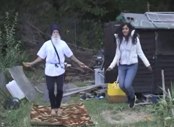 skipping_Sikh.JPG