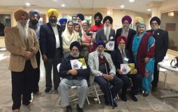 S.Pal Singh Purewal (center) with representatives of various Sikh organizations