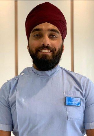Afghan Sikh doctor Jasvin Singh doctor.jpg