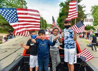 Sikh children American Flags.jpg
