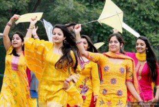 basant women kites.jpg