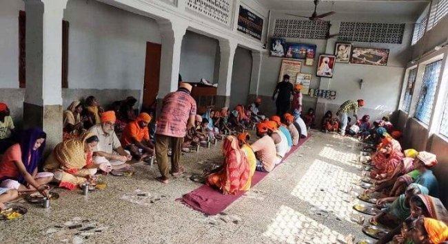 Sikhs help 4 assam.jpg
