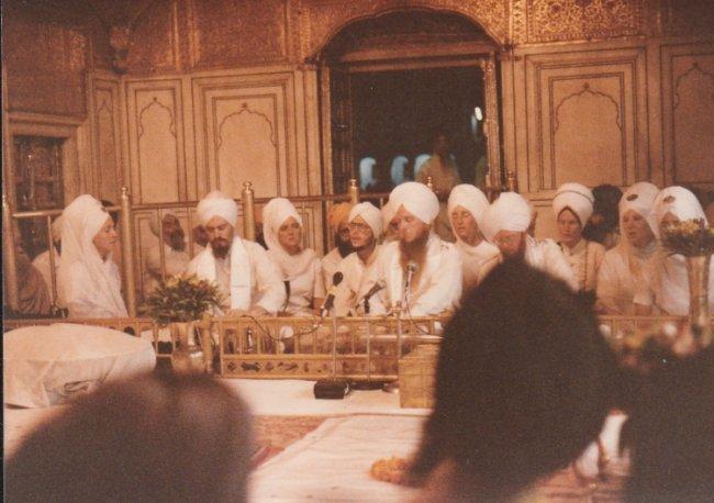 Vikram Singh Kirtan Harimander Sahib.jpg