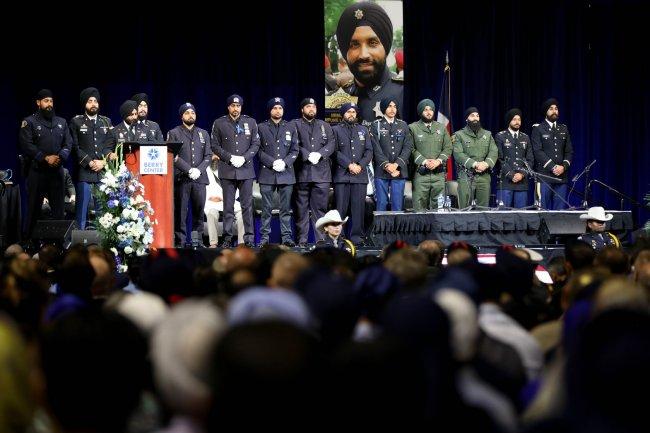 funeral of dhaliwal 5 cpt simratpal uniformed U.S. Sikhs.jpg