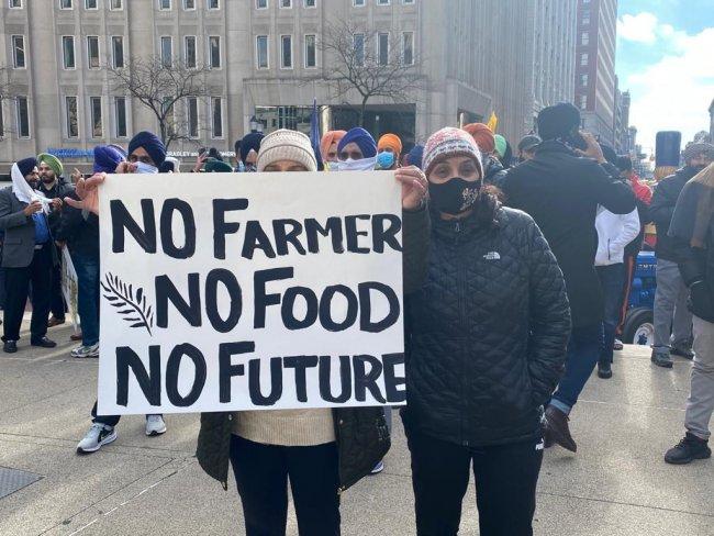 hoosier 2 farmers sign.jpg