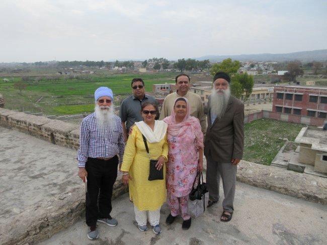 khuley darshan crew.JPG