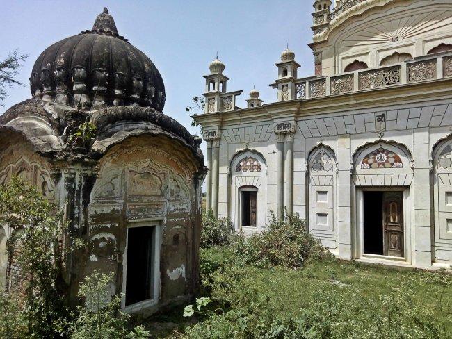 sikh masjid samadhi.jpg